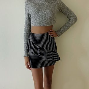 Casual out to-go skirt